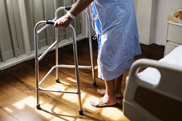 Wyższe standardy w domach opieki [Fot. Pixabay.com]