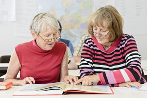 Wyzwania intelektualne w starszym wieku chronią przed demencją [© Claudia Paulussen - Fotolia.com]