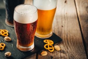 Z którym politykiem napijesz się piwa? [Fot. anaumenko - Fotolia.com]