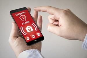 Zabezpiecz swój telefon [Smartfon, © georgejmclittle - Fotolia.com]