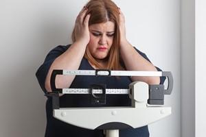 Zadbaj o wagę - otyłość postarza [© esolla - Fotolia.com]