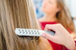 Zadbaj o włosy po zimie. Pielęgnacja krok po kroku [Włosy, © Picture-Factory - Fotolia.com]