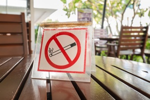 Zakaz palenia w miejscach publicznych skuteczny. Mniej chor�b serca i nie tylko [© jhk2303 - Fotolia.com]