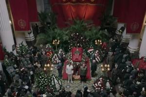 """Zakazana w Rosji """"Śmierć Stalina"""" w polskich kinach [fot. Śmierć Stalina, Kino Świat]"""