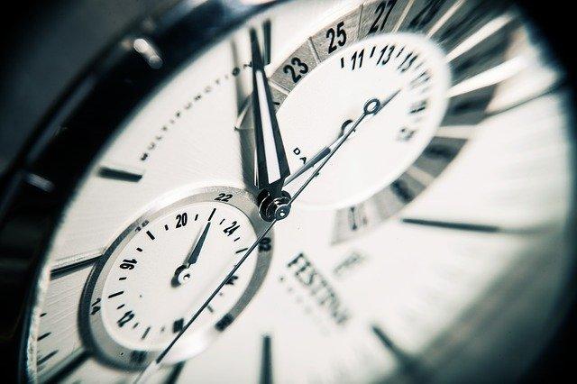 Zakłócony rytm dobowy a niepokój i zaburzenia pracy mózgu [fot. SplitShire from Pixabay]