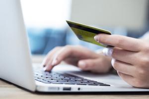 Zakupy online - czy robisz to bezpiecznie? [Fot. sebra - Fotolia.com]