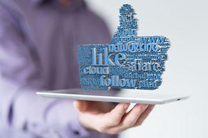 """Zalecane przez adwokata. Facebook jest już podmiotem publicznym - """"nowy"""" stary łańcuszek powraca [© vege - Fotolia.com]"""