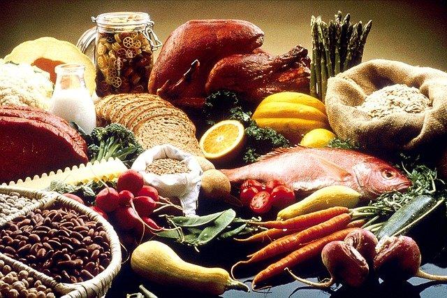 Zdrowa dieta zmniejsza ryzyko zwyrodnienia plamki żółtej (AMD) [fot. FotoshopTofs from Pixabay]