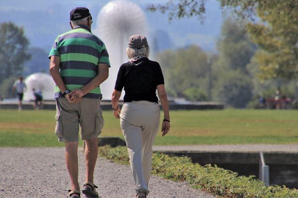 Zdrowa starość - jakie elementy stylu życia mają na nią wpływ [fot. pasja1000 from Pixabay]