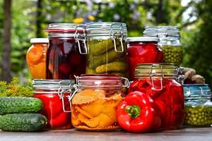 Zdrowe jedzenie nie musi by� drogie. 5 prostych zasad [© monticellllo - Fotolia.com]