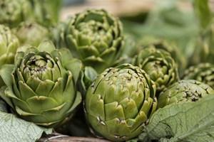 Zielone, smaczne i zdrowe. Dlaczego warto je�� karczochy?  [© emirkoo - Fotolia.com]