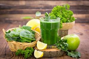 """Zielone warzywa liściaste """"lekiem"""" na jaskrę [© pilipphoto - Fotolia.com]"""