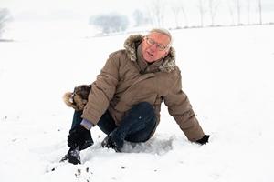 Zimowe urazy seniorów [© JanMika - Fotolia.com]