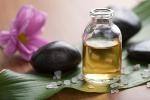 Zioła w służbie zdrowiu: olejek z drzewa herbacianego leczy grzybice i inne dolegliwości skórne [© dusk - Fotolia.com]
