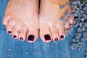 Ziołowa terapia dla stóp [Stopy, ©  ivannag82 - Fotolia.com]