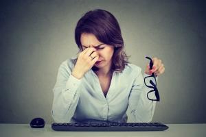 Złe nawyki, które szkodzą naszym oczom [Fot. pathdoc - Fotolia.com]