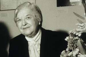 Zmarła Stephanie Kwolek - chemiczka, która stworzyła kamizelkę kuloodporną [Stephanie Kwolek, fot. Harry Kalish - Chemical Heritage Foundation, CC BY-SA 3.0, Wikimedia Commons]