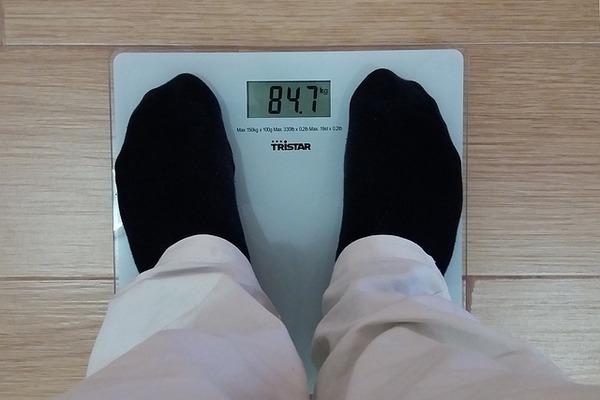 Zmiany masy ciała zwiększają ryzyko demencji? [fot. Tumisu from Pixabay]