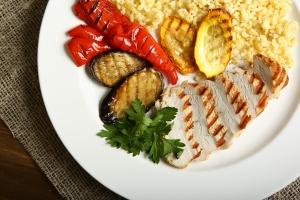 Zmniejsz kaloryczność diety. DłuÅźej unikniesz chorÃłb związanych z wiekiem [Fot. Ekaterina - Fotolia.com]