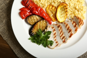 Zmniejsz kaloryczność diety. Dłużej unikniesz chorób związanych z wiekiem [Fot. Ekaterina - Fotolia.com]