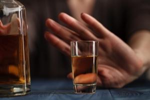 Zobacz, co dzieje się z organizmem, gdy przestajesz pić alkohol [Fot. Andrey Cherkasov - Fotolia.com]