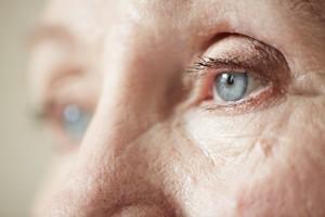 Zwyrodnienie plamki żółtej - ryzyko choroby obniżają odpowiednie bakterie jelitowe [© pressmaster - Fotolia.com]