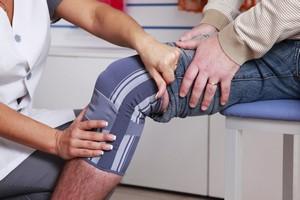 Zwyrodnienie stawu kolanowego - wystarczy schudnąć, by osłabić chorobę [© Friday - Fotolia.com]
