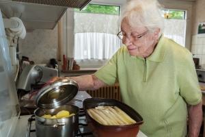 Żywność ze sklepu jest coraz gorszej jakości? Gotuj w domu [Fot. Ingo Bartussek - Fotolia.com]